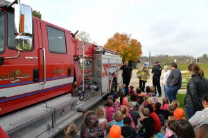 Dubuque Fire Engine 502 visits Hoover Elementary School